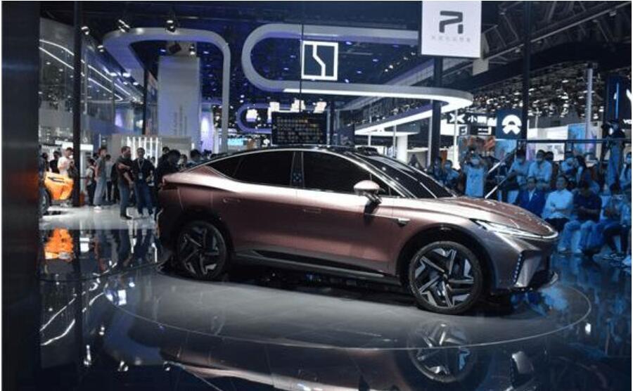 R car ES33 production version unveiled at Chengdu Auto Show